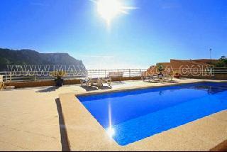 Moderne Mallorca Wohn-Etage in Puerto Andratx mit Meerblick auf die Cala Llamp Beach Club