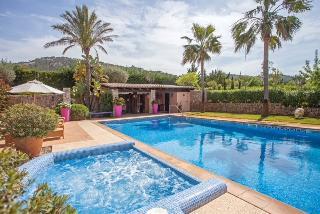 Liebevolle Finca Villa im Zentrum von Port Andratx mit 13.495 m2 Land und wunderbaren 633 m2 Lebens-