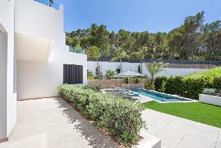 Port d' Andratx sehr private Luxus Gartenwohnung im Zentrum